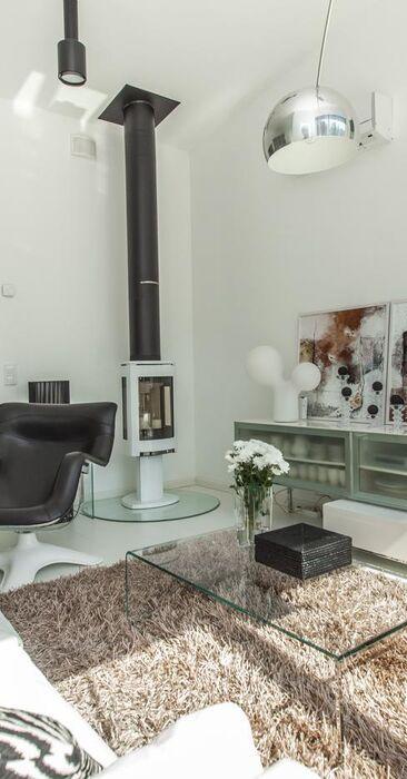 Tyylikästä muotoilua olohuoneen sisustuksessa