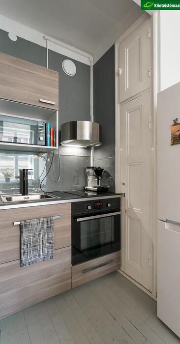 Toimiva pieni keittiö yksiössä