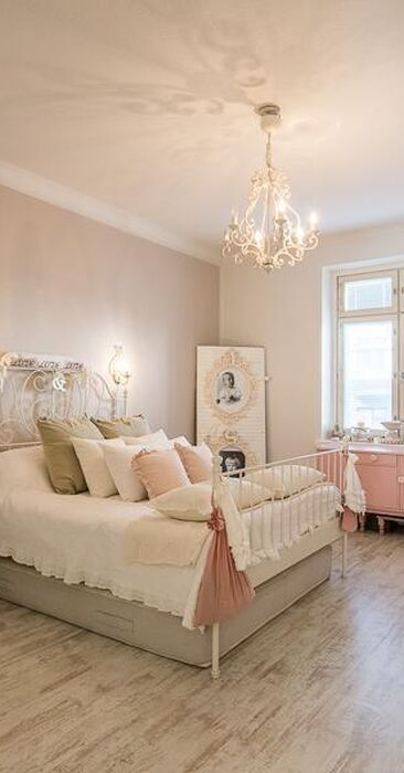 Hempeä tunnelma makuuhuoneessa