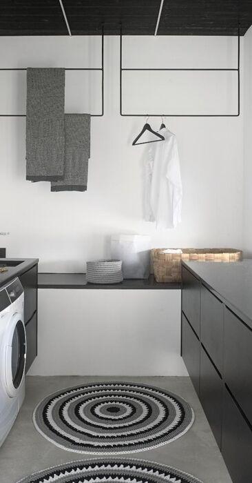 Toimiva ja tyylikäs kodinhoitohuone
