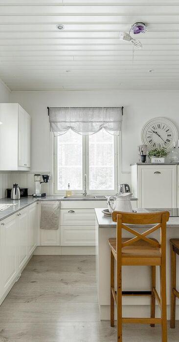 Hurmaava maalaisromanttinen keittiö