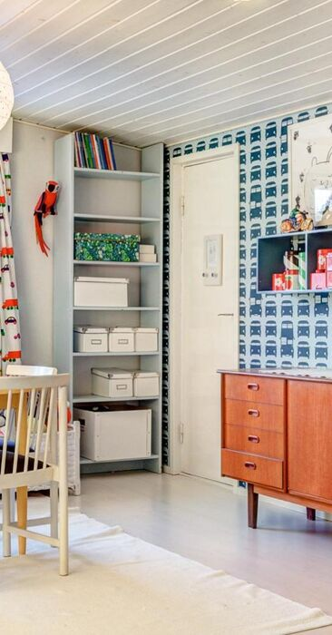 Tilava ja värikäs lastenhuone