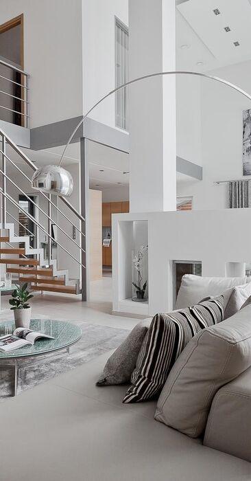Upea portaikko olohuoneen katseenvangitsijana