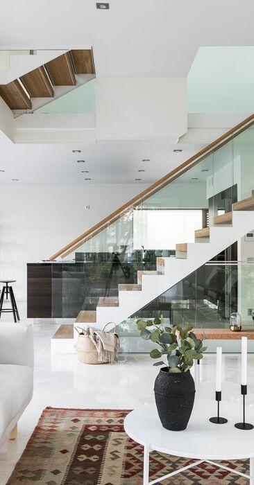 Upea ja avara moderni koti