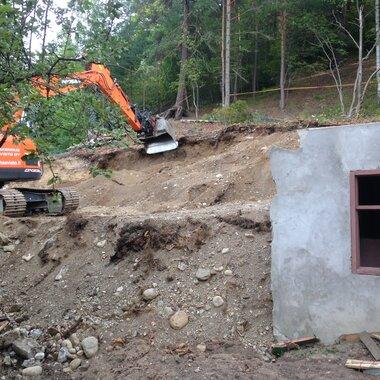 Rakennuslupa vihdoin hanskassa, mutta budjetti vuotaa – mistä säästetään?