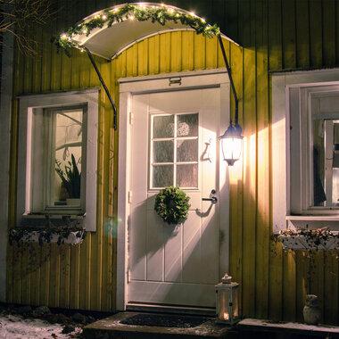 Ja niin joulu joutui jo pieneen taloon Pirkanmaalla