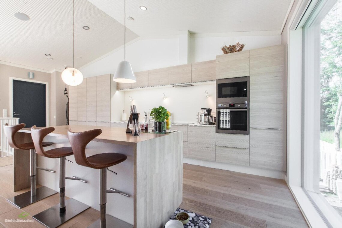 Kaunis keittiö vaaleasta puusta - Etuovi.com Ideat & vinkit