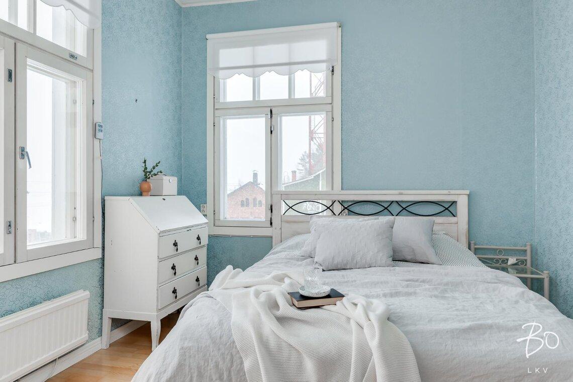 Turkoosi tapetti makuuhuoneessa - Etuovi.com Ideat & vinkit